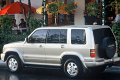 Acura SLX 1998 года